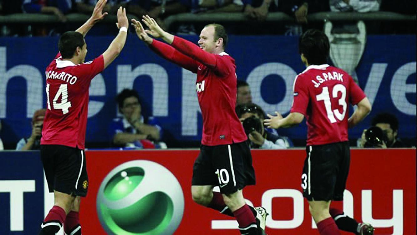 Manchester United gana 2-0 Schalke04