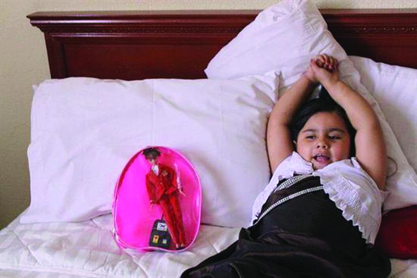 Regresa con sus padres la niña deportada a Guatemala