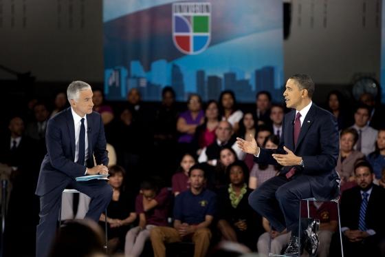 Obama motiva a jóvenes latinos a estudiar