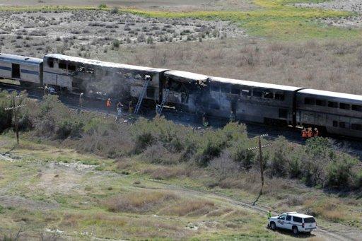 Empresa propietaria de camión chocó con tren