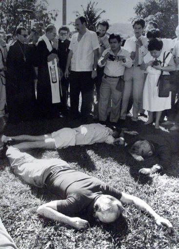 Juez español ordena captura de 20 militares salvadoreños por asesinato de jesuitas en 1989