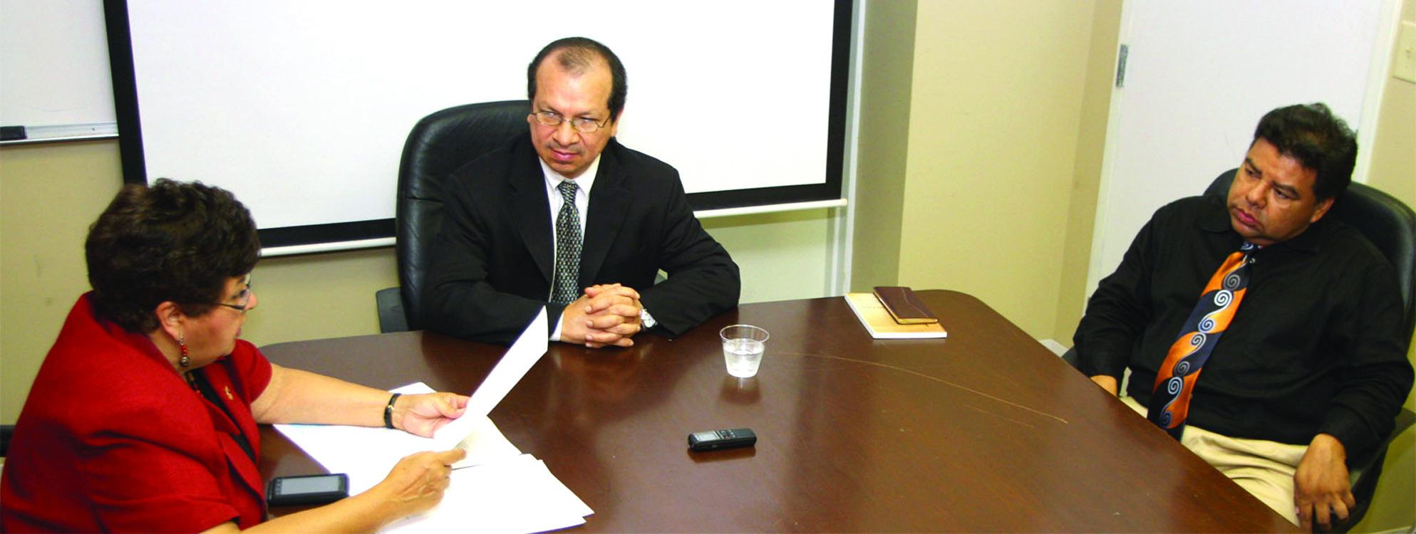 Congresista de Maryland pide a Presidente Funes que reaccione