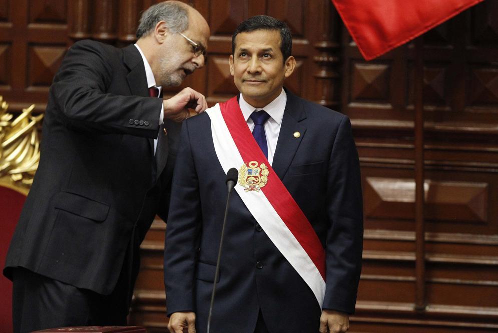 Ollanta Humala toma el mando de Perú