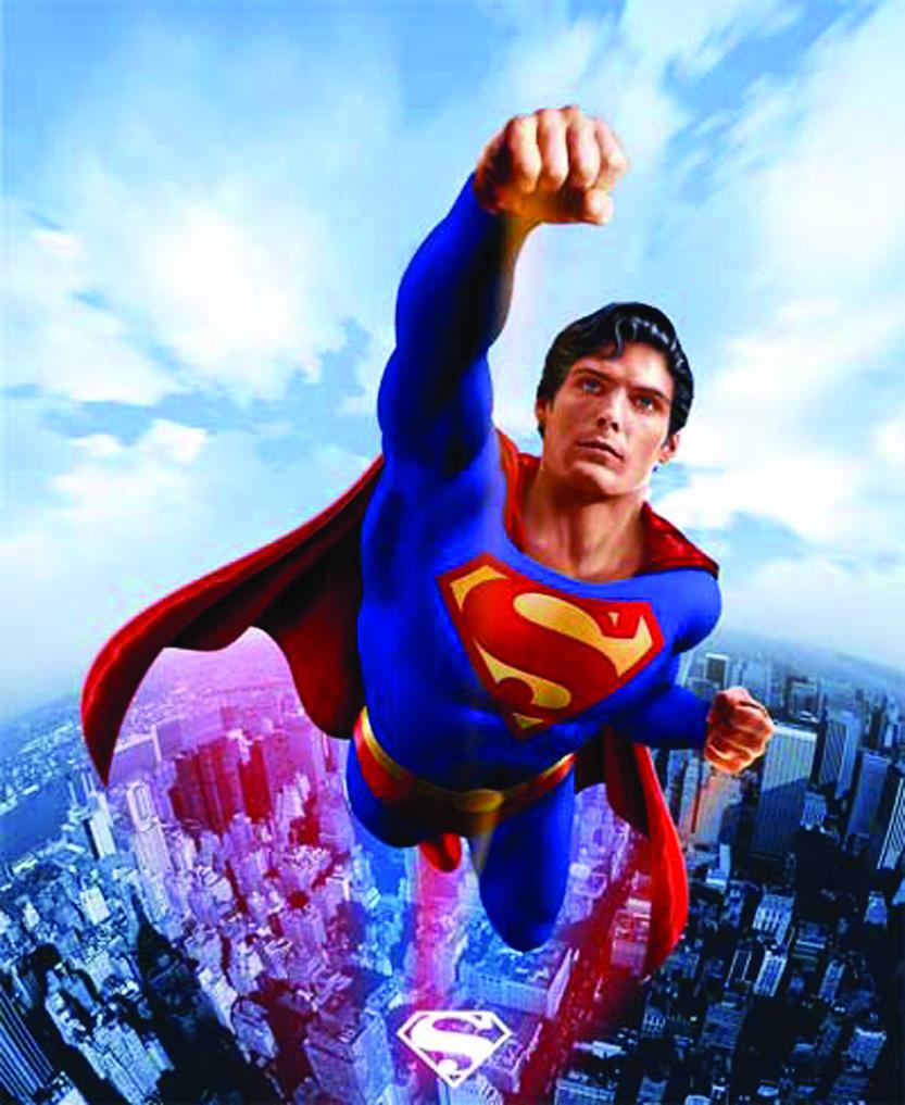 """""""En lo alto está volando el valiente superman"""""""