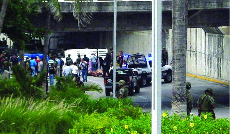 Arrojan 35 cuerpos torturados en una calle de Veracruz