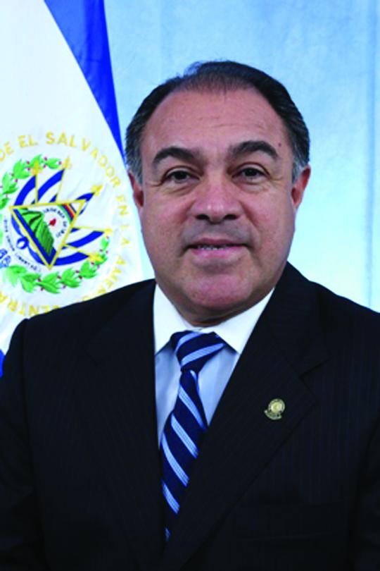 Diputado Merino y su socio en una empresa obtuvieron tierras del ISTA