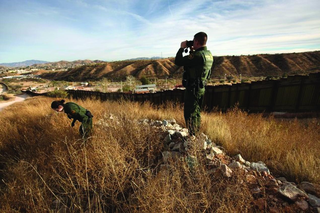 EE.UU: Bajan arrestos de indocumentados en la frontera
