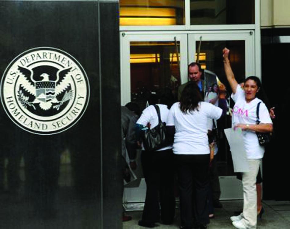 Cuatro madres protestan para evitar deportación