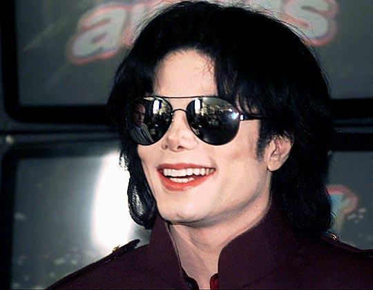 Michael Jackson causó su propia muerte, asegura la defensa del médico