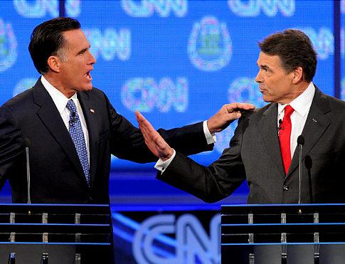 Perry y Romney se atacan por el tema de inmigración en debate de Las Vegas