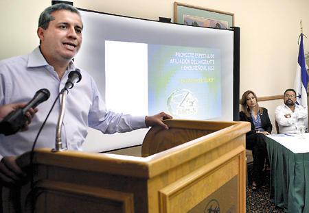 Presidente Lobo pedirá renovación de TPS para sus paisanos