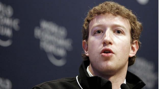 Mark Zuckerberg recibe trato de estrella de rock en Harvard