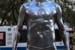Estatuas de Beckhman en calzoncillos en Nueva York