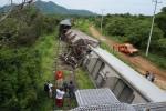 Tren 'La Bestia' se descarrila de nuevo con más de 1,300 inmigrantes