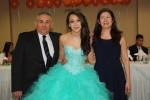 Debbie Rodas  una princesa elegante  en el dia de sus quince años