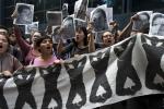 Padres de estudiantes desaparecidos planean mas manifestaciones