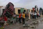 Al menos 13 personas mueren por tornado en México