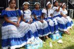 Miles celebran fiesta salvadoreña