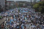 Miles de guatemaltecos piden la renuncia del presidente