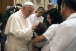 Divorciados que inician otra relación 'no están excomulgados' dice el Papa