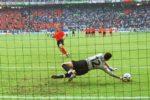 La forma de tirar los penales que quiere la UEFA